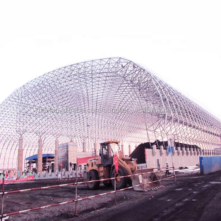 Grande Arco Esterno di Archiviazione Di Massa Capannone Rifugio In Acciaio Spazio Cornice Griglia Carbone Bunker di Stoccaggio
