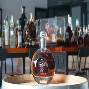 Vendita calda Bottiglie di Vetro Whisky Tequila Xo Brandy Alcool di Colore Chiaro Maligni