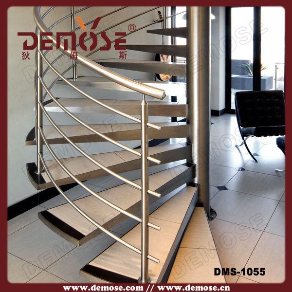 Fotos escaleras de buhardillas montones de galer as de - Escalera de buhardilla ...