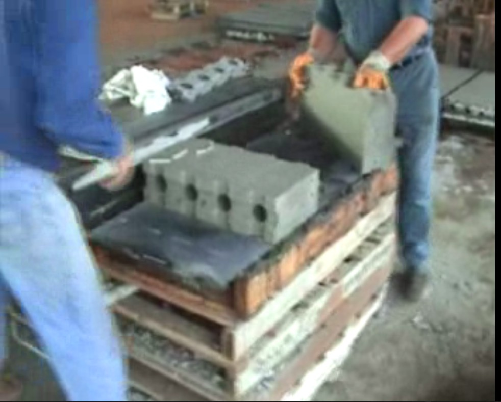 Liteblock mould liteblok mould clc block mould light for Concrete foam block