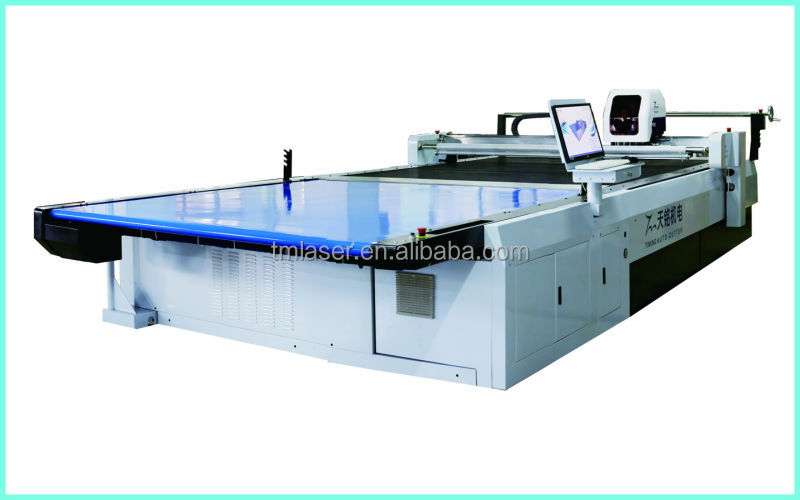 Fabric Cutting Machine Computerized Die Cut Flat Bed For Garments Furniture Bag Hats Cloth