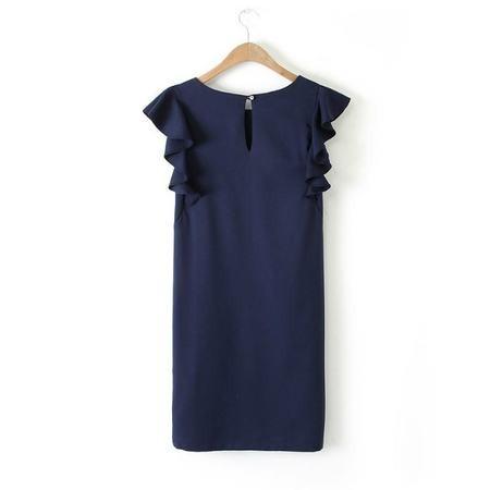 Фасон платья трапеция с коротким рукавом