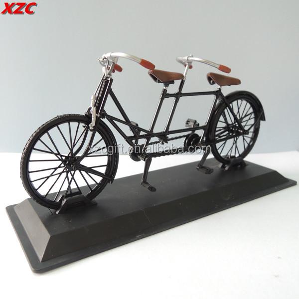 Metalen miniatuur tandem model fiets decor fiets souvenir for Metalen decoratie fiets