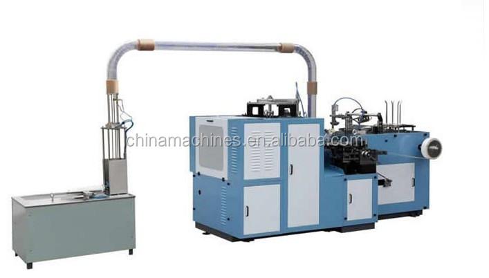 Tasse de papier faisant la machine à boisson chaude