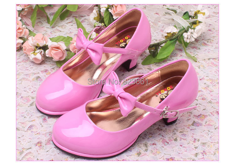 Girls Wedding Dress Shoes Whether she's the flower girl, junior bridesmaid or a special guest, she'll want to look beautiful. Pick from our big variety of wedding shoes, colors, types & styles and rest assured because you will find more than one pair of shoes she'll love!