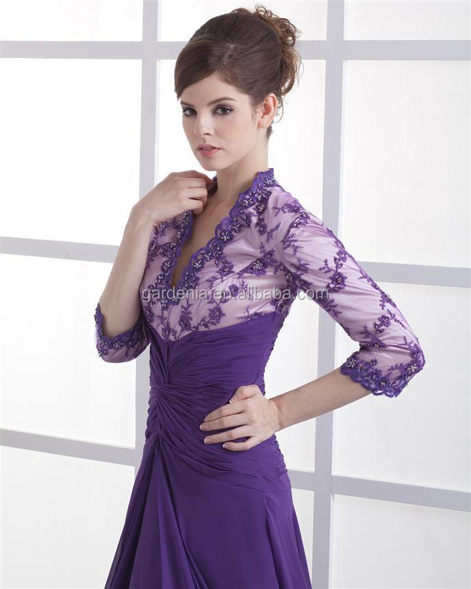 El último de longitud completa un- línea profundo v- cuello púrpura ...