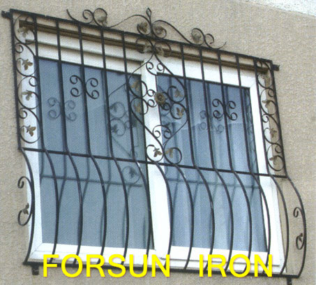 Simple iron window grills iron window grill design modern for Modern zen window grills design