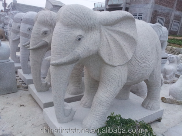 Exceptionnel Other Style Elephant Statues: 1