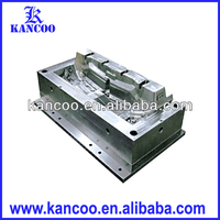 Injection die for plastic auto mould