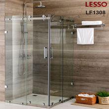 cuarto de baño de ducha de esquina habitación