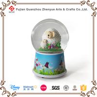 2015 custom made plastic musical snow globe