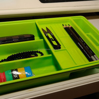 Home organization Multi-use plastic storage trays with dividers