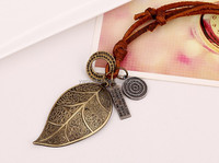 Manufacturers selling necklace sweater chain Big leaf cowhide necklace restoring ancient ways Leather necklace