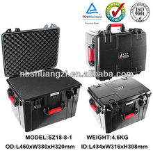 Flight case with wheels case with and foam insert remote area lighting case