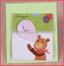 Diseño de tarjeta de amor de San Valentín con estampación en caliente 3D de oso encantador
