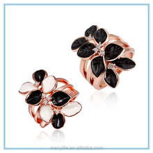 MECY LIFE European American Hot selling fashion jewelry personality rose gold leaves-shaped black sapphire ring rose
