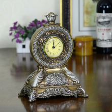 Europe Antique Resin Decorated Time Clock Desktop Home Decor Folk Arts And Crafts