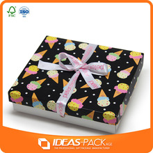 Customized design paper wedding gift box with ribbon and dot for sale