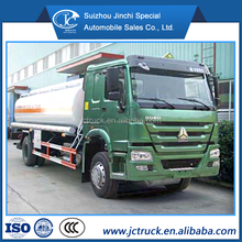SINO HOWO 4X2 10000L chemical liquid transport truck