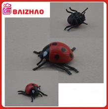 juguetes plastico de insectos