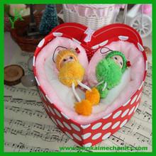 Love gift box for wedding party use microfiber towel cake souvenir wholesale