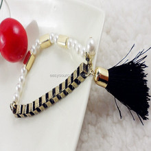 Newest fashion popular bangles wholesale in stocking artificial pearls tassel artifice bracelet