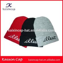 OEM Comercio al por mayor gorra acrílica de invierno de rojo, / sombrero sombrero hecho punto/ Gorrita tejida cómoda Llana acríl