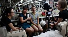 Dery más de 16 year ropa experiencia como un precio de fábrica de ropa con estricto control de calidad