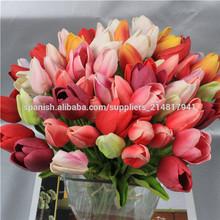 pequeñas flores artificiales tulipán
