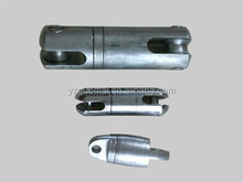 Wire roll swivel connector for ACSR conductor or line stringing swivel
