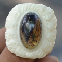 60001038 Buffalo Bone Carved Ring With Natural Red Yellow Amber Gemstone