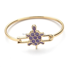 Fashion jewelry womens metal bracelet with turtle ornament
