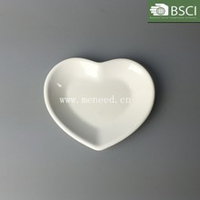 ceramic heart shaped plastic plate for wedding decoration
