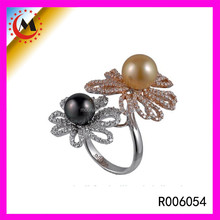 YIWU MOOON JEWEL FLOWER PEARL GOLD RING DESIGNS LUCKY FOUR CLOVER RING