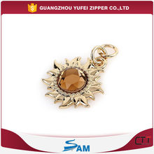 engraved logo flower shaped decorative zipper pull