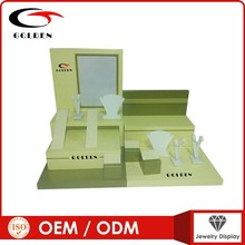 2013 new wooden jewelry display green color design and free combination