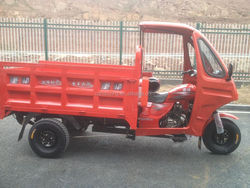 Hydraulic dumping cargo tricycles for garbage