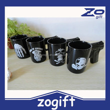 ZOGIFT New Cheap Wholesale A Grade Ceramic Heat-resistant Colored Glaze Fashion Black Printed White Skull Ceramic Gun Mug