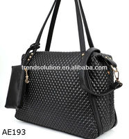 wholesale handbags with lots of pockets