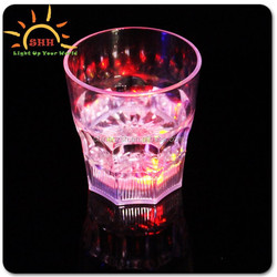 2015 hot bar item led bar glass top, led light up plastic glass, led light drinking glass