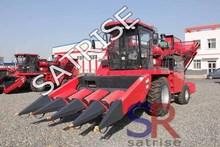 Agricultural equipment self-propelled corn harvester for sale