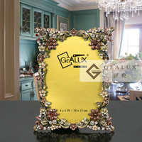 high quality metal alloy picture photo frame , pearl wedding photo frame