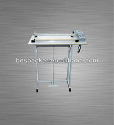 Simple pedal sealer with cutter film machine
