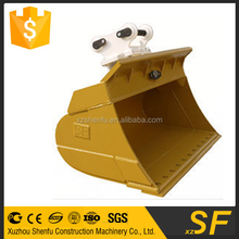 excavator tilt mud bucket with removable bolt on cutting edge