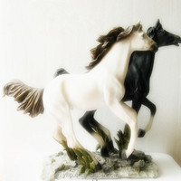 Resin Two Running Animal Horse Figurine for Home Decoration