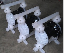 Air operated diaphragm airless paint pump