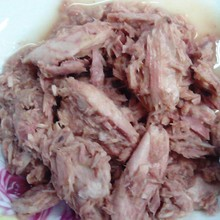 Canned flakes pieces tuna in water Brine, tuna fish canning factory