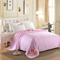 100% mulberry silk filler plain pink satin quilt with cotton cover