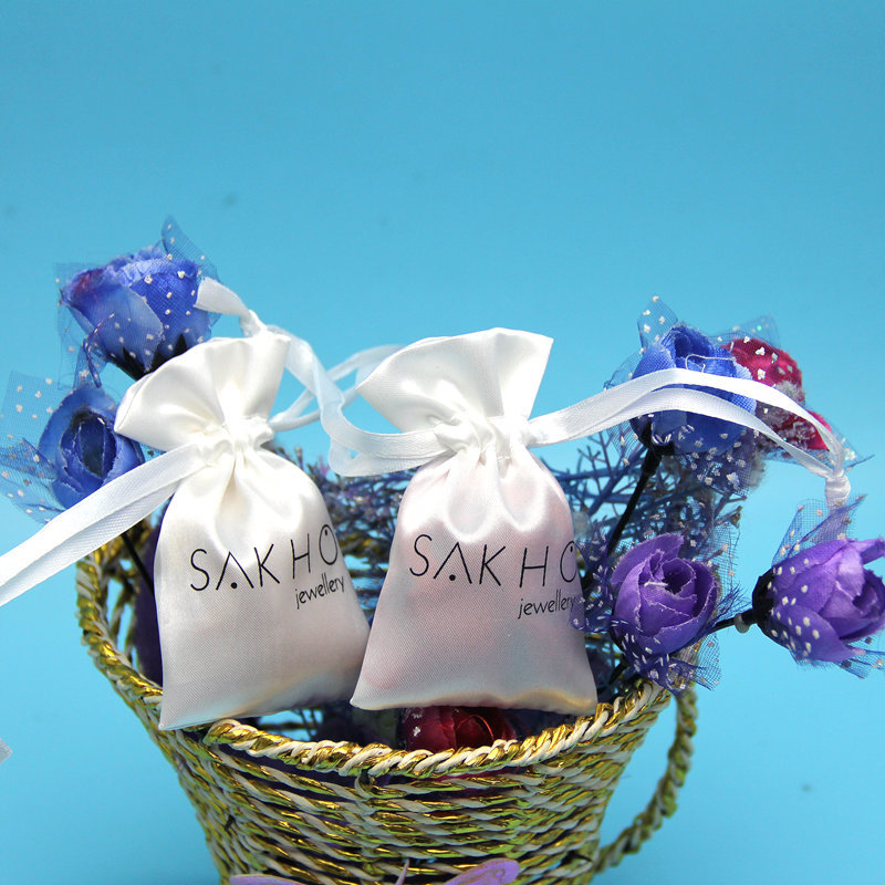 Customized Logo Eco-friendly Wholesale Satin Candy Bag / Gift Pouch With Drawstring