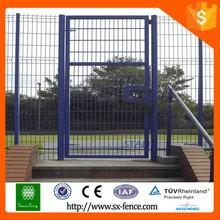 Simple manual slide gates design